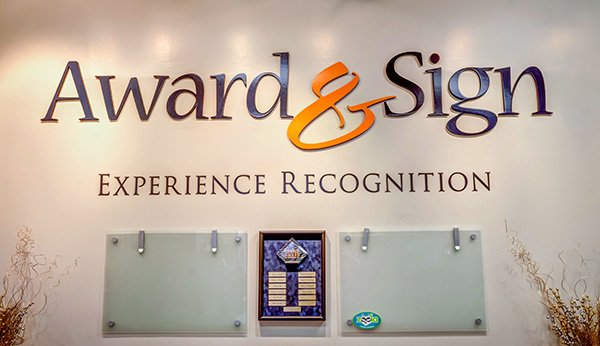 Award & Sign: Experience Recognition